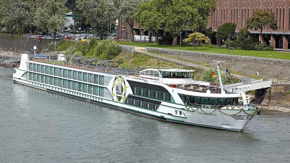 Schiff MS Treasures auf einer Gracht in Amsterdam